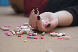 suicide, overdrugging